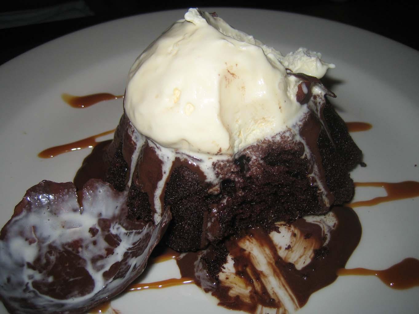 Molten choc cake3