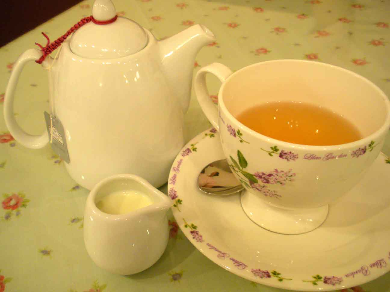 Annabelle's Place - pot of tea