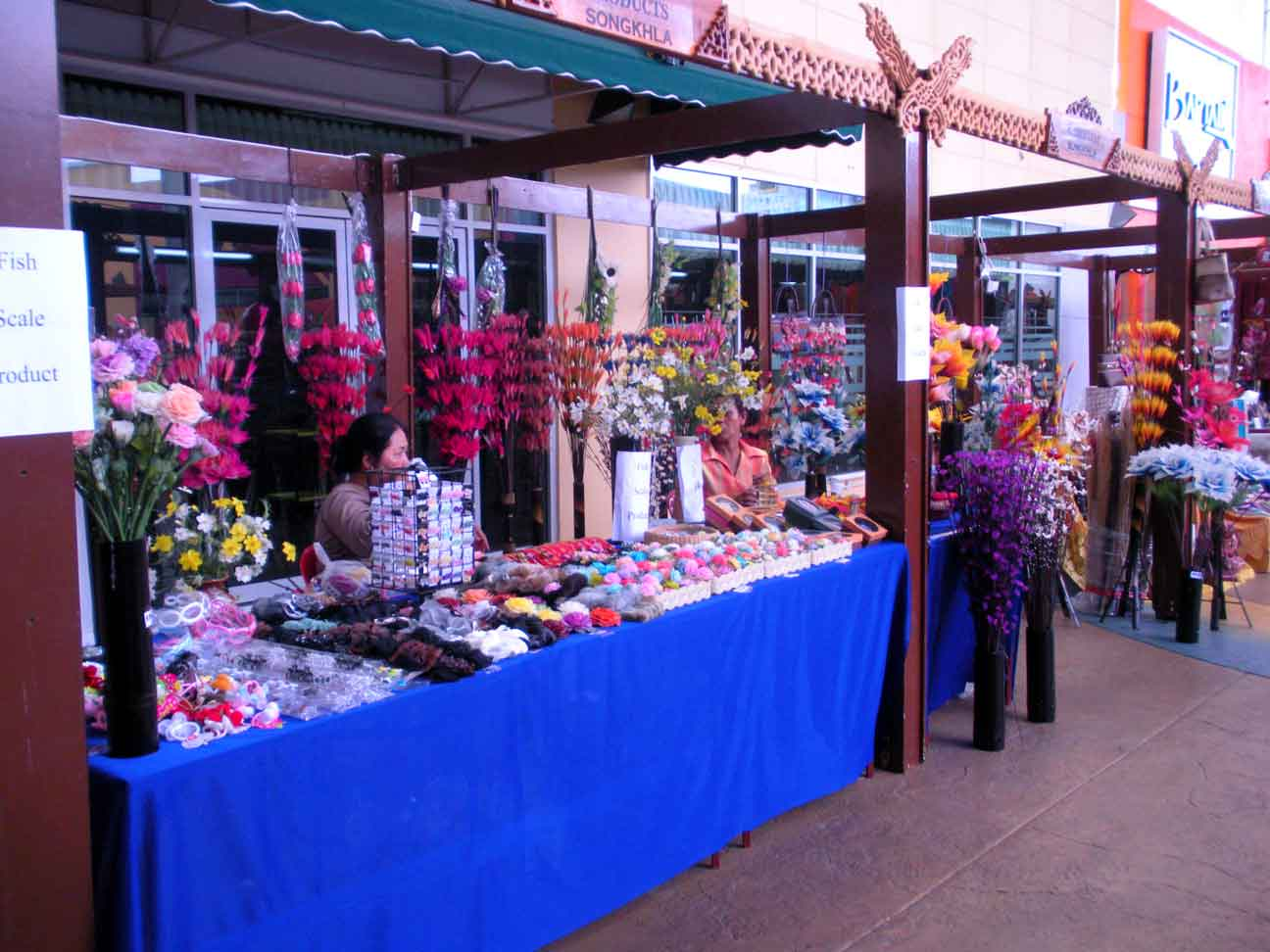 Thai Fair - decorative items