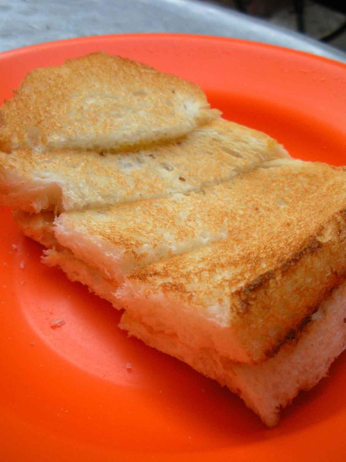 Toh Soon Roti Bakar - kaya butter